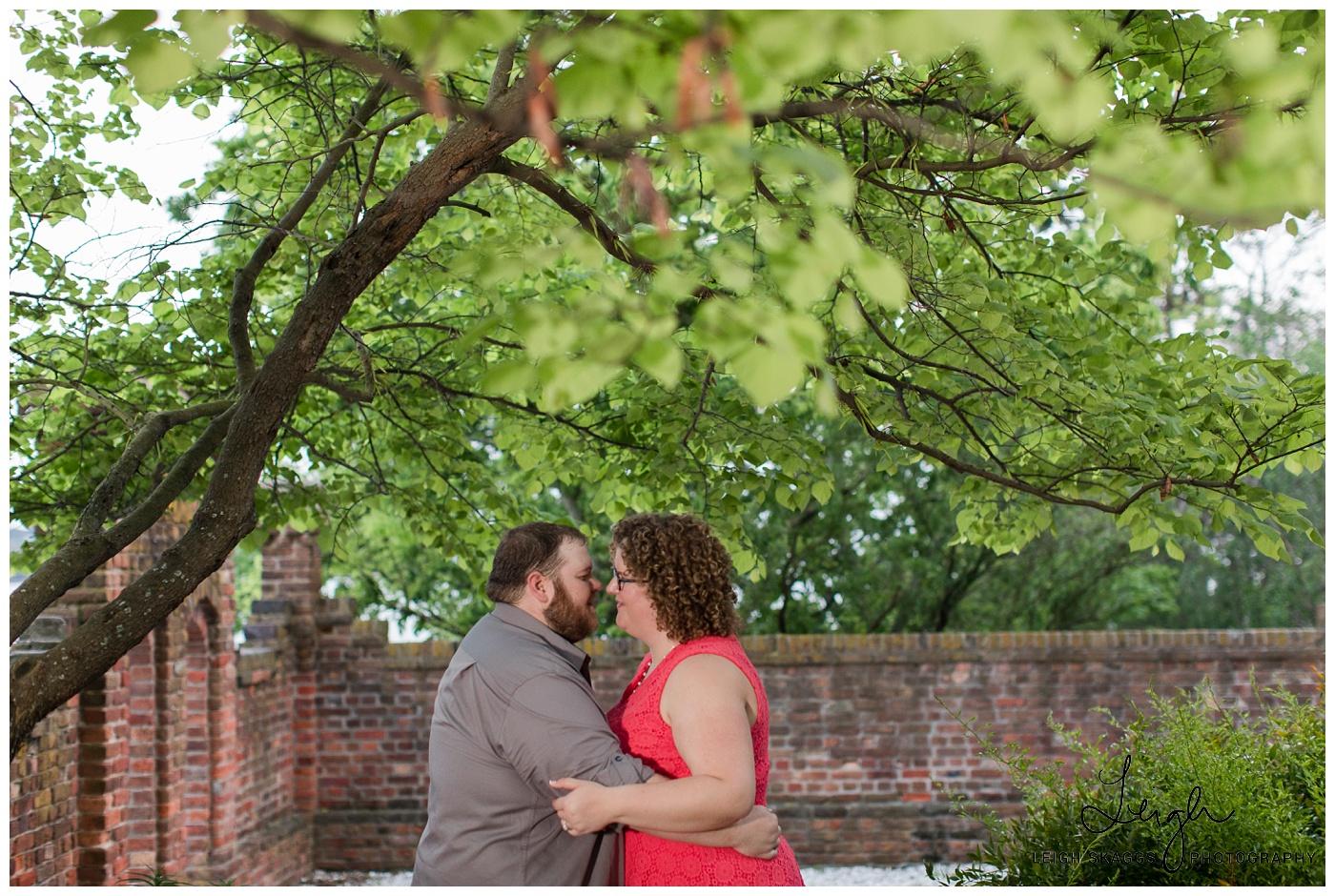 Jenna & Justin | Hermitage Museum & Garden Engagement Session